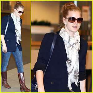Amy Adams: Vancouver Airport Arrival