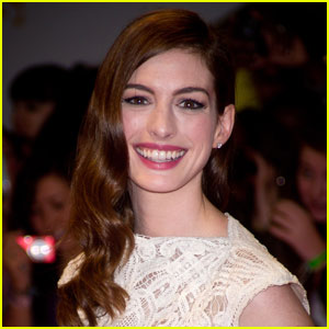 Anne Hathaway Starring In & Producing 'Puzzler'