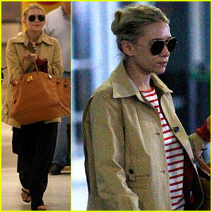 Ashley Olsen Jets Into JFK