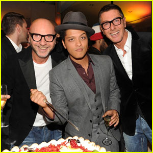 Bruno Mars: Birthday Bash With Dolce&Gabbana!