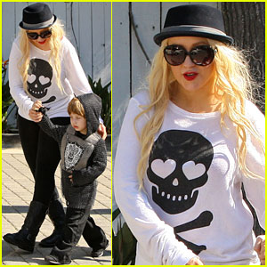Christina Aguilera: 'Open' To Singing At the Super Bowl!