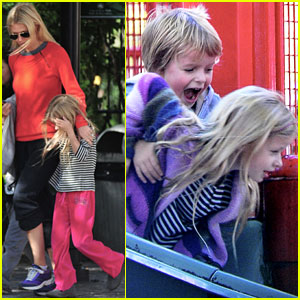 Gwyneth Paltrow: Park Day with the Kids!