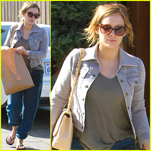 Hilary Duff Contemplates Baby Names!