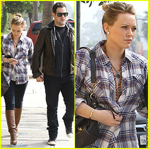 Hilary Duff & Mike Comrie: Veterinary Hospital Visit