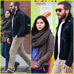 Jake Gyllenhaal: Sunday Food Run with America Ferrera!