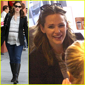 Jennifer Garner: Coffee Date with a Pregnant Pal!