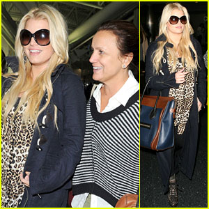 Jessica Simpson &#038; Mom Tina: See Ya, NYC!