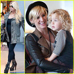 Jessica Simpson: LAX Family Flight