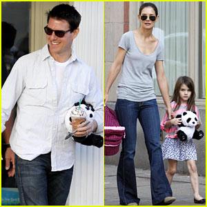 Katie Holmes & Tom Cruise: Starbucks Stop with Suri!