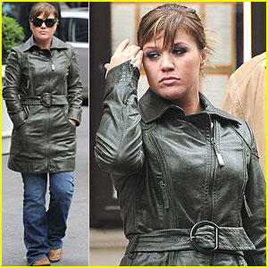Kelly Clarkson: Out to Lunch in Manhattan
