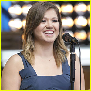 Kelly Clarkson's 'You Love Me' - FIRST LISTEN