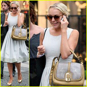 Lindsay Lohan Loves Paris!
