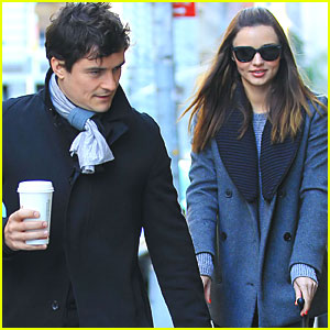 Miranda Kerr & Orlando Bloom Stroll After the Snowstorm