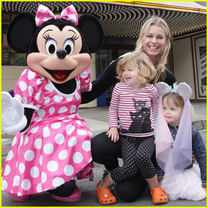 Rebecca Romijn: Twins Meet Minnie Mouse!