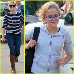 Reese Witherspoon & Ava: Griffith Park Pair