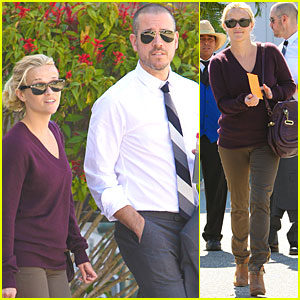 Reese Witherspoon & Jim Toth: Kiss Kiss!