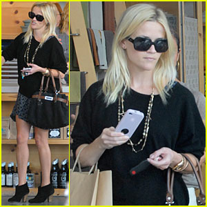 Reese Witherspoon: Brentwood Shopping Spree
