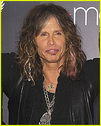 Steven Tyler Recovering After Collapsing in Paraguay