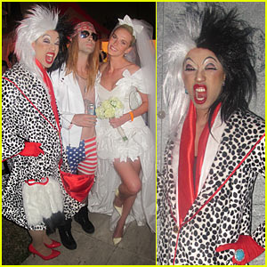 Adam Levine: Maroon 5 Halloween Party!