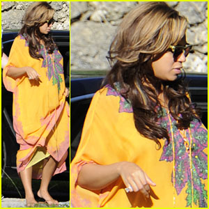 Beyonce: House Hunting in Miami!