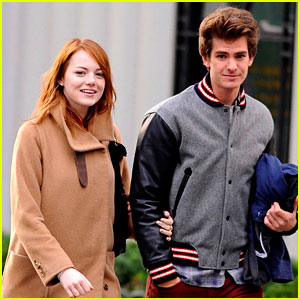 Emma Stone &#038; Andrew Garfield: Holding Hands in NYC!