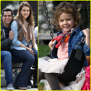 Jessica Alba & Cash Warren: Park Playtime with Honor & Haven!