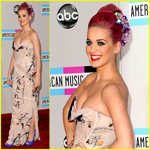 Katy Perry - AMAs 2011 Red Carpet