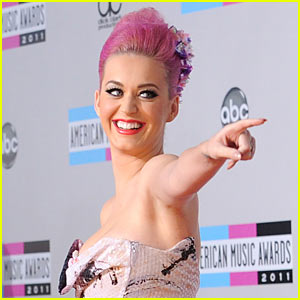 Katy Perry: 'Saturday Night Live' Host on December 10!