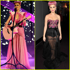 Katy Perry Wins Special Award at AMAs 2011!