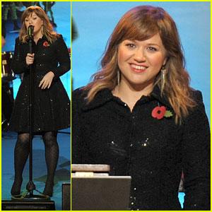 Kelly Clarkson: Regent Street Christmas Lighting!