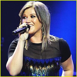 Kelly Clarkson Tour Dates Announced