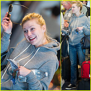 Kirsten Dunst: In The Hoodie
