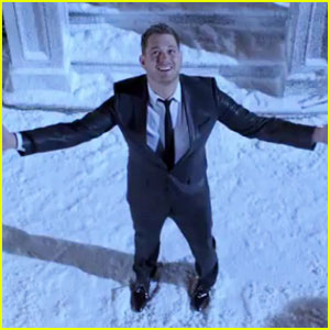 Michael Buble: 'Santa Claus Is Coming to Town' Video!