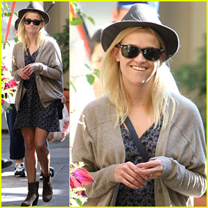 Reese Witherspoon: Sunny Shopping Trip!