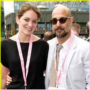 Stanley Tucci: Engaged to Felicity Blunt!