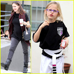 Jennifer Garner Takes Karate Kid Violet to Class!