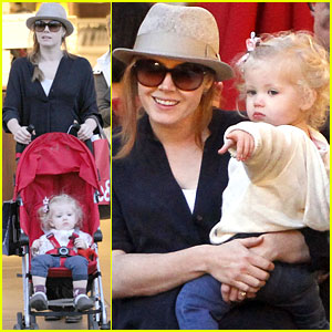 Amy Adams & Aviana: Grove Playtime!