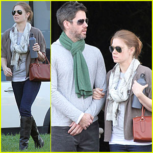 Amy Adams & Darren Le Gallo Go Furniture Shopping