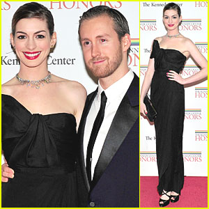 Anne Hathaway: Kennedy Center Honors with Adam Shulman!