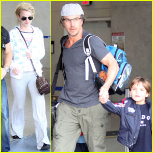 Britney Spears: LAX Landing With Jason Trawick & the Boys!