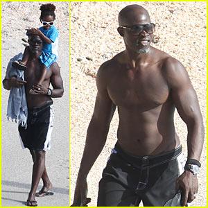 Djimon Hounsou: Shirtless in St. Bart's