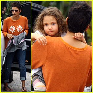 Halle Berry & Nahla: Lunch Time with Olivier Martinez!