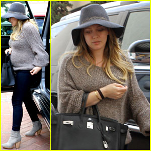 Hilary Duff's Child Won't Play Hock