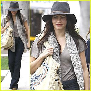 Jenna Dewan: Christmas Shopping in West Hollywood!