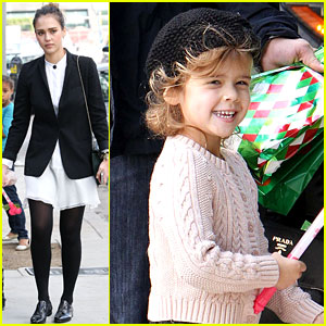 Jessica Alba: I Love Spending Time With My Family!