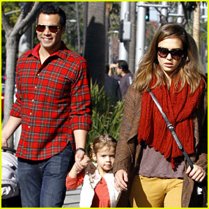Jessica Alba: Christmas Weekend Brunch with the Family!