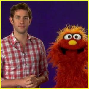 John Krasinski: 'Sesame Street' Video!