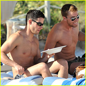 Lance Bass & Michael Turchin: New Year's Eve Beach Time!