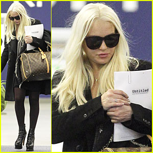 Lindsay Lohan & Aliana Take Flight