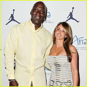 Michael Jordan: Engaged to Yvette Prieto!